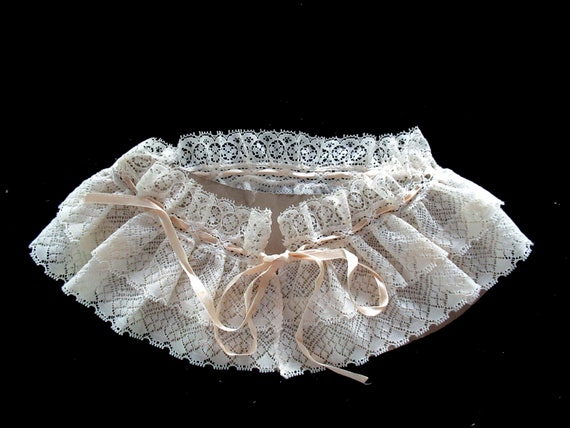 French Detachable Old Lace Collar, Ruffled Lace C… - image 7