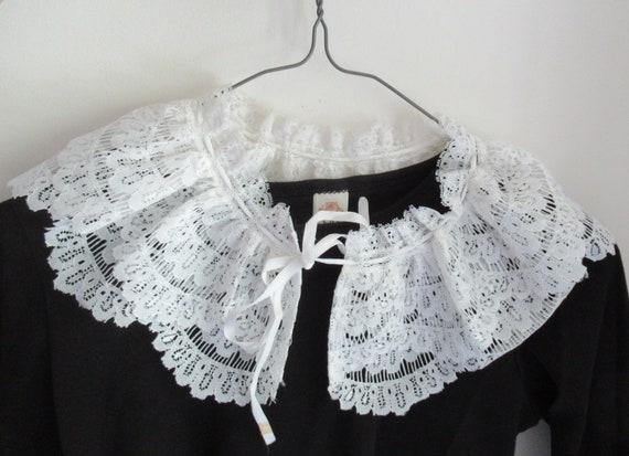 French Detachable Old Lace Collar, Ruffled Lace C… - image 4