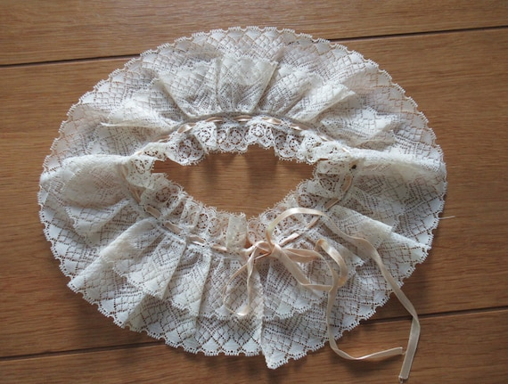 French Detachable Old Lace Collar, Ruffled Lace C… - image 6