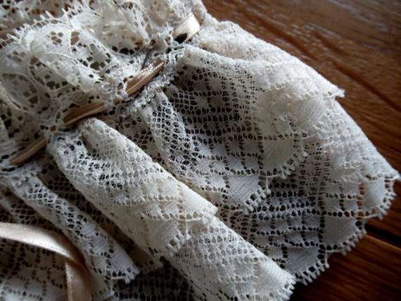 French Detachable Old Lace Collar, Ruffled Lace C… - image 9