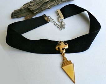 Gothic Black Velvet Choker with Gold Pendant, One Of A Kind, Repossessed Vintage Jewelry