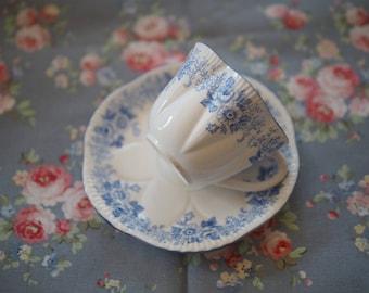 Shelley dainty blue rose vintage tea cup
