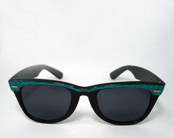 7c3681d189 Vintage Black RayBan Wayfarers with Green Brow
