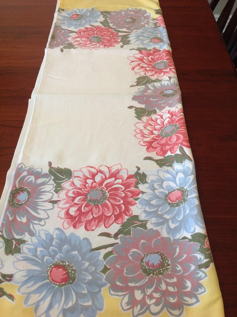 Dahlia tablecloth