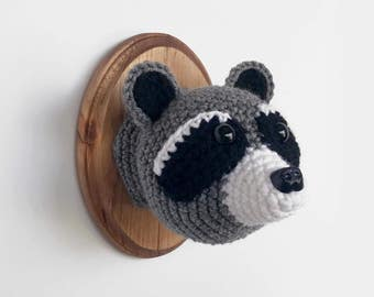 "Raccoon Faux Taxidermy, Crocheted (5""x7"")"