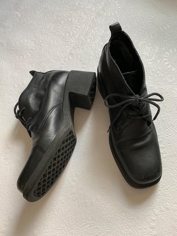 2000's Vintage platform lace up ankle boots
