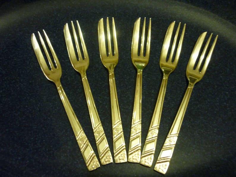 C. pastry forks 50/% PRICE REDUCTION Selection of Vintage Viner Silver Rose Cutlery fish knives teaspoons forks