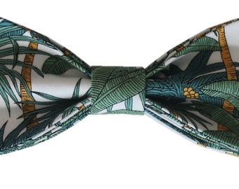 Arnold: Green, yellow & white tropical print pre-tied bow-tie with adjustable neck strap