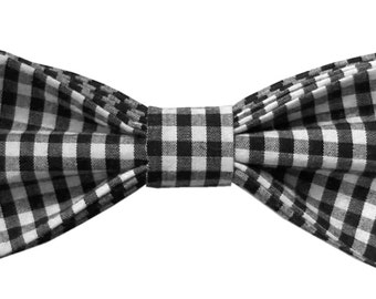Frank Bow-tie: Black and white check pre-tied bow-tie with adjustable neck strap