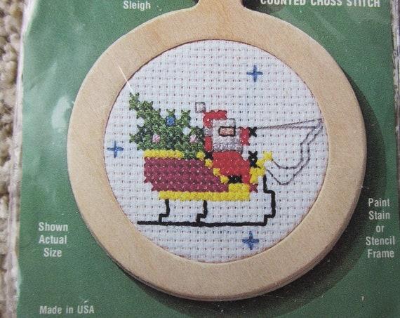 Counted Cross Stitch Santa sleigh ornament/ Small Cross Stitch project / Small needlework ornament / Santa's sleigh cross stitch ornament