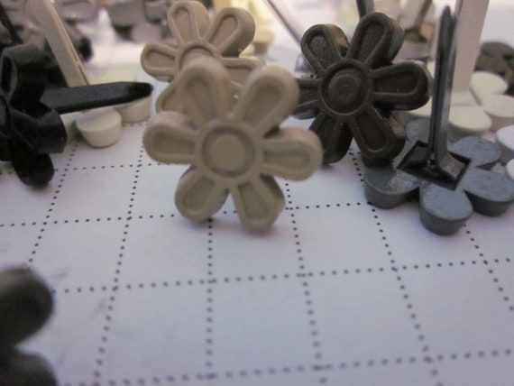 Stampin' Up! retired flower brads / flower embellishments for card making / neutral colored flower brads