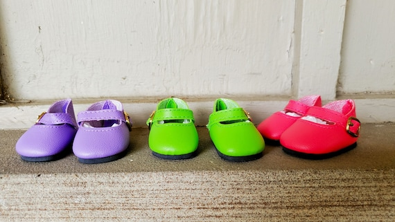 Wellie Wisher Plain Mary Jane shoes. Fits 14.5 inch dolls. 9 colors.