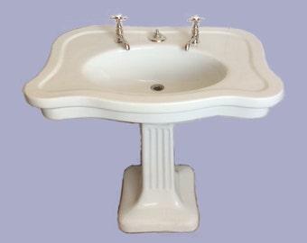 Serpentine Sink