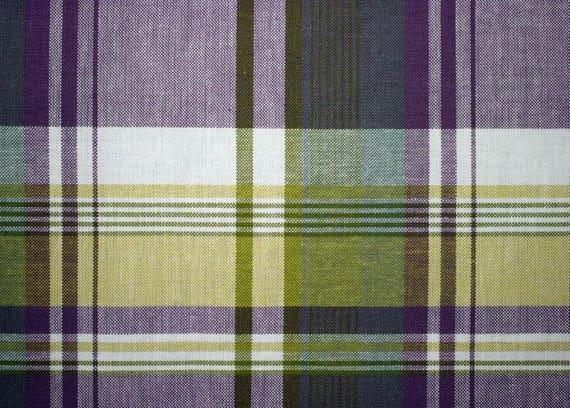 set de table plastifi aspect tissu cossais violet et vert etsy. Black Bedroom Furniture Sets. Home Design Ideas