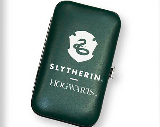 """Fun Stuff - Camelot Fabrics - Harry Potter Licensed Notions - Slytherin CN23402009 Sewing Kit 2.75"""" x 4.75"""""""