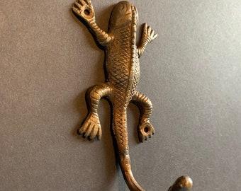Cast Iron Gecko Frog Door Key Hook Hall Wall Coat Hanger Hat Rack Keyring Holder