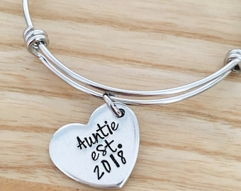 Aunt Gift - Aunt Bracelet - Mothers Day Gift - Gift from Niece Nephew - New Aunt Gift - Hand stamped Bracelet - Personalized Bracelet