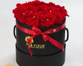 Red Rose Bouquet in Black...