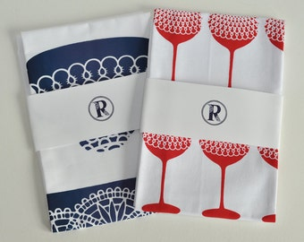 Pack of 2 Tea towels.Red wine and Tea cups. For Christmas presents, Mothers day, Birthdays and stocking fillers.