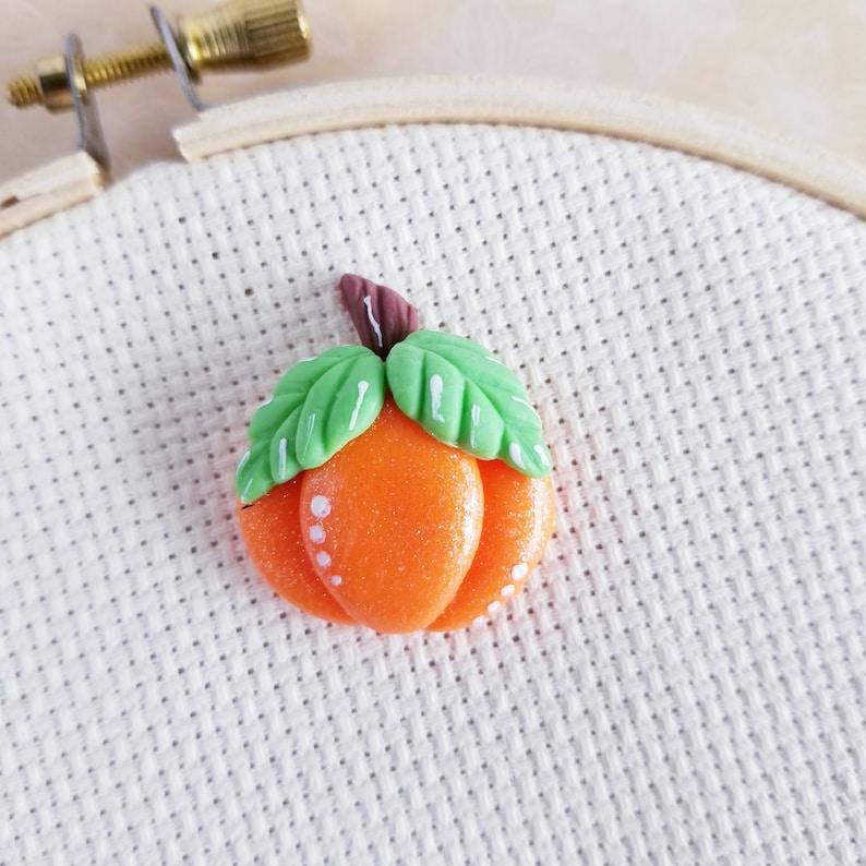 Shiny Pumpkin needle minder 033 Magnet clay