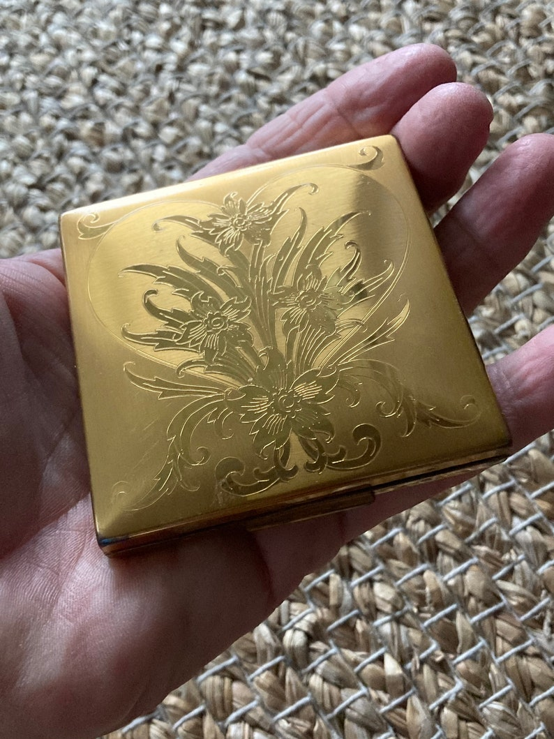 Powder Compact Etched Elgin American Made in the U.S.A
