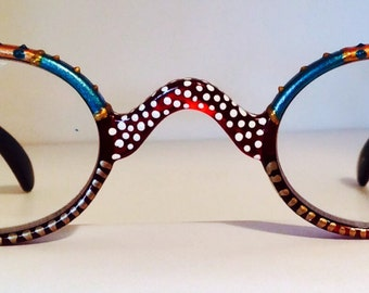 Hand Painted Round Reading Glasses. Unisex John Lennon style Men & Women various designs available, come in all strengths.