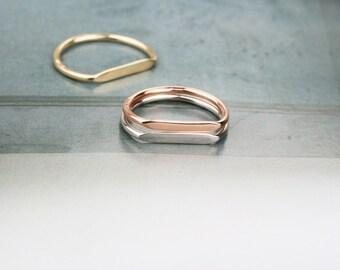Little polished gold rings to be customized and matched/ Piccoli anelli in oro lucido con barretta da personalizzare