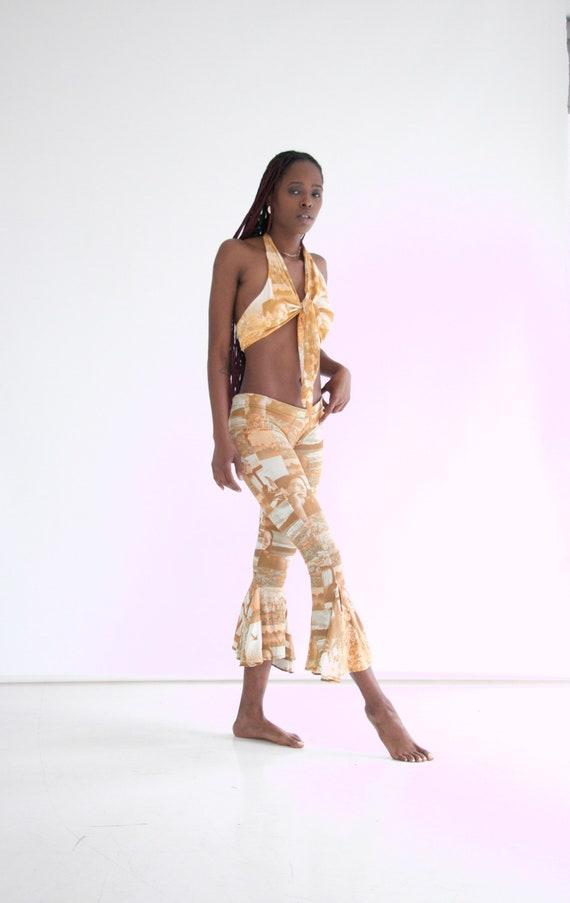 vtg 70s 2-piece photo print pants set w. halter - image 6