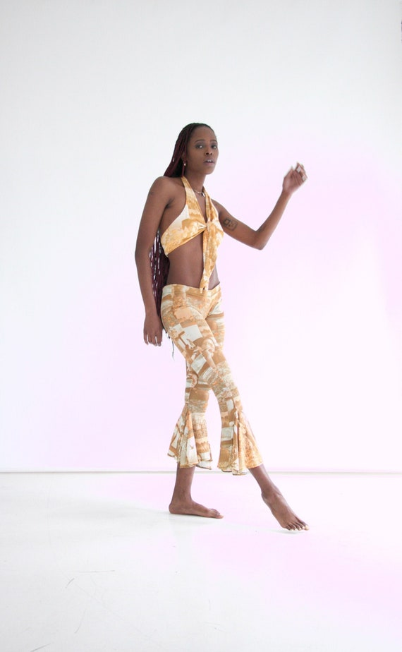 vtg 70s 2-piece photo print pants set w. halter - image 1