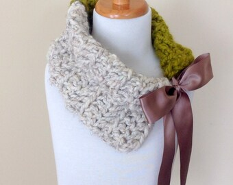 Girls Crochet Cowl, Chunky Wool Cowl, Wheat and Lemongrass Scarf, Ready to Ship!!!