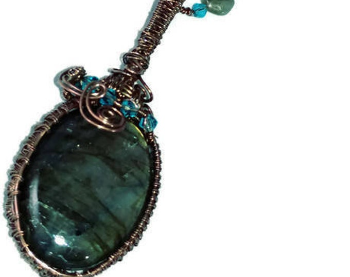 Natural Iridescent Labradorite Pendant Necklace