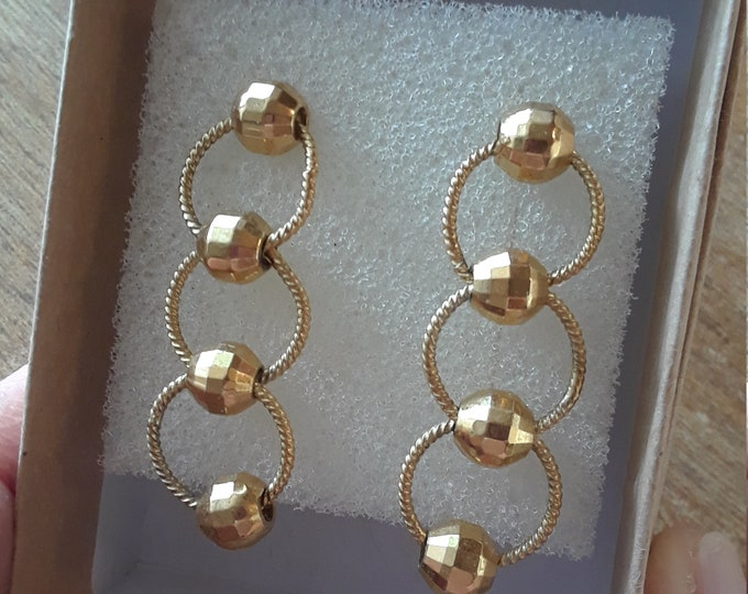 Vintage earrings 3 circles gold beads
