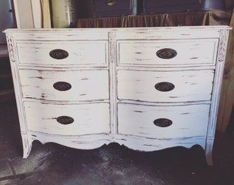 Superieur Shabby Chic Dresser // White Distressed Farmhouse Style // Changing Table  // Buffet   PORTFOLIO