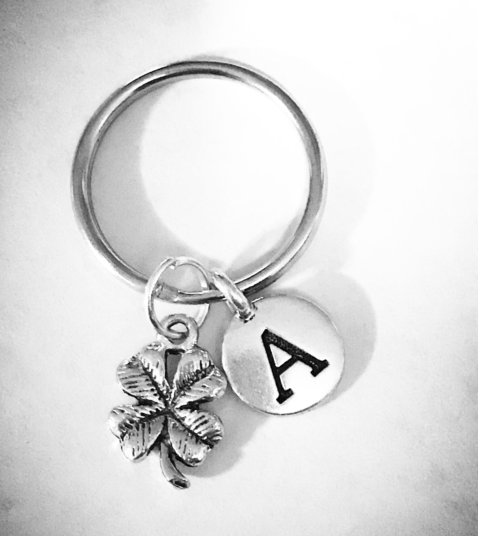 Best friend Keychain Best friend gift clover charm keychain Personalized initial four leaf clover shamrock keyring Friendship keychain