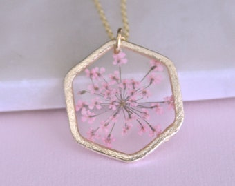 Light Pink Queen Anne's Lace Necklace