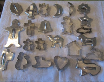 VINTAGE COOKIE CUTTERS Total of 23 Numerouse Holidays