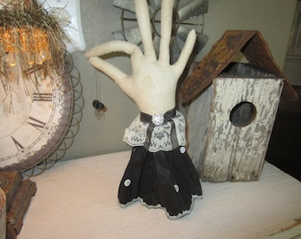 SPOOKY PRIMITIVE HALLOWEEN Witch Hand With Dangling Spider