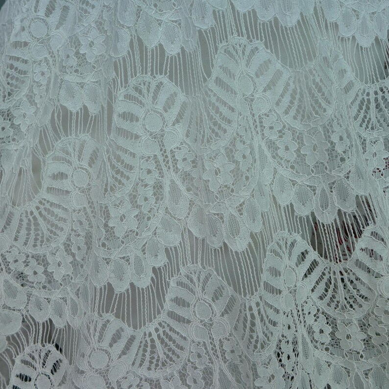 Floral Net Lace Fabric Tulle Lace Fabric Ivory Lace Fabric New Arrival 2019 Hollowed Eyelash Lace Fabric Fringe Mesh Lace Fabric