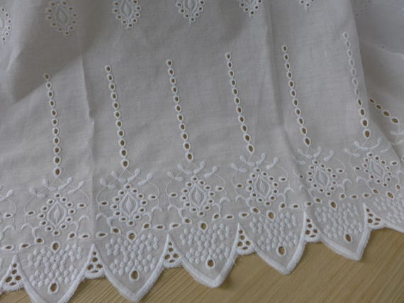 1 yd Vintage Style Embroidery Cotton Eyelet Lace Fabric White 47cm Wide