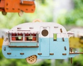 Vintage Camper Bird House Scale model playset you can build and use! Bring back the love of travel and camping with a miniature trailer toy