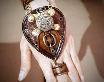 SteamPunk Cuff with Owl watch - Handmade Cuff - vegetanned hand dyed leather - Steampunk