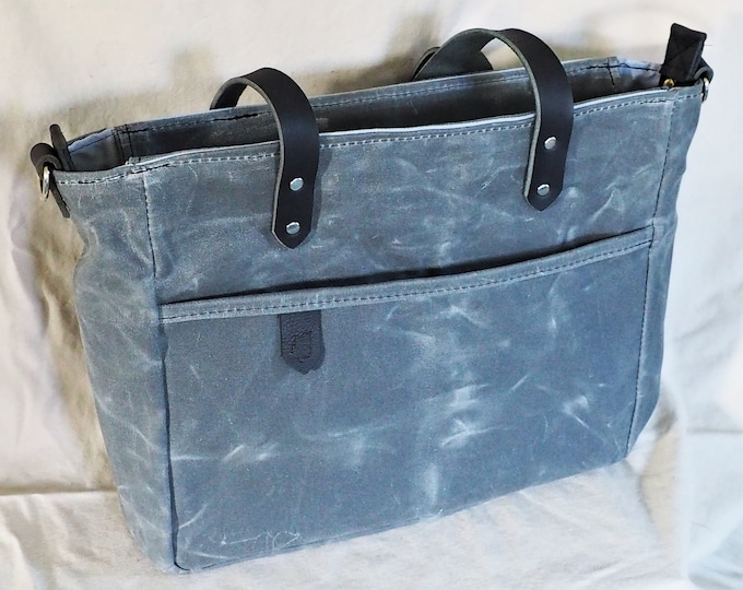 Waxed canvas and leather tote / Animal print / Diaper bag