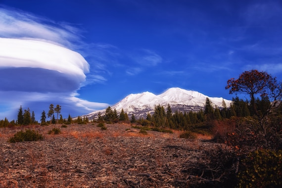 Lenticular Cloudscape  (CANVAS) Mount Shasta and a Lenticular Cloud