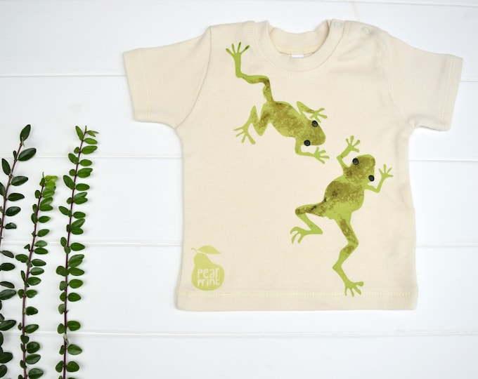 Baby t-shirt in natural organic cotton with frogs. Baby boy or baby girl gift. Wildlife baby.