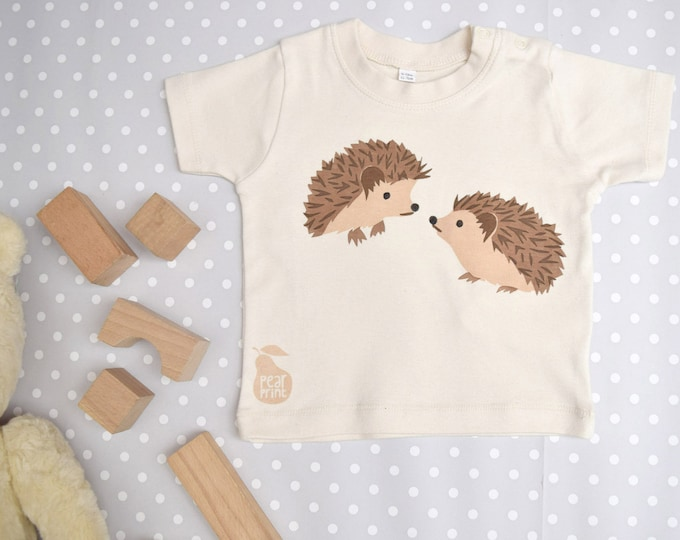 Hedgehog baby t-shirt in organic cotton.