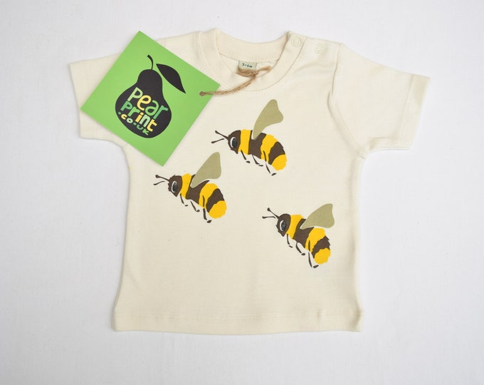 Sale. Baby t-shirt in organic cotton with bumble bees. Baby boy or baby girl gift. Save the bees!