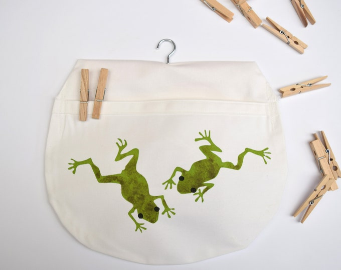 Peg bag in natural organic cotton with frogs. Clothes pin bag. Wildlife themed gift.