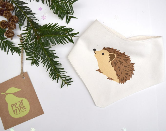 Baby bandana bib with a hedgehog print in organic cotton. Teething drool bib. Woodland wildlife baby gift.