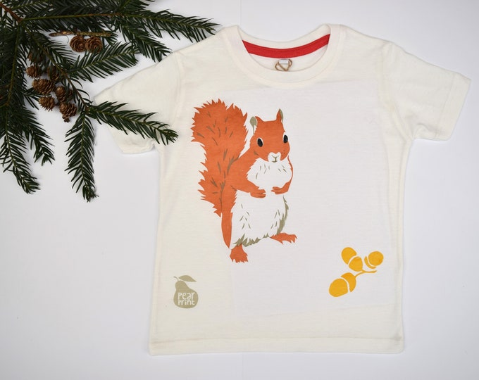 Child's t-shirt with a red squirrel and acorns. Organic cotton. Animal t shirt. Boy or girl gift. Camouflage green.