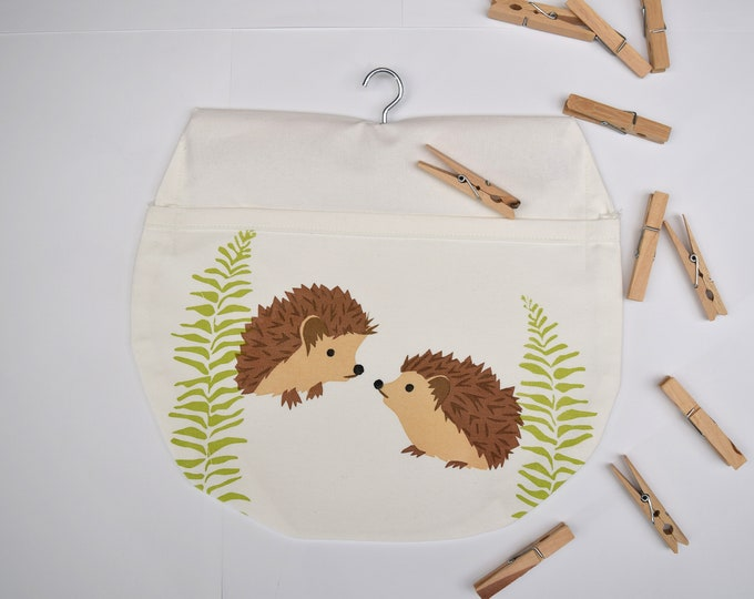 PearPrint peg bag in natural organic cotton with hedgehogs. Hedgehogs with ferns. Clothes pin bag.
